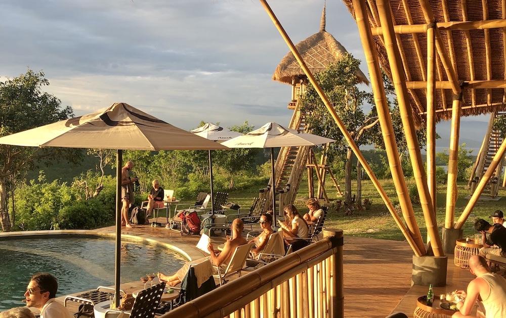 Amok sunset bar restaurant Nusa Penida Epatrimony